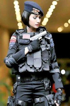 Cyberpunk Girl Wallpaper - HD Wallpaper For Desktop Background Army Wallpaper, Girl Wallpaper, Airsoft, Army Police, Cyberpunk Girl, Military Girl, Female Soldier, Military Women, Girls Uniforms