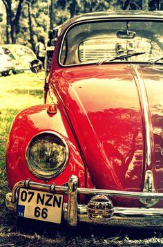 cute Carros Retro, Van Vw, Vw Vintage, Vw Cars, Vw Camper, Campers, Cute Cars, Car Wheels, Vw Beetles