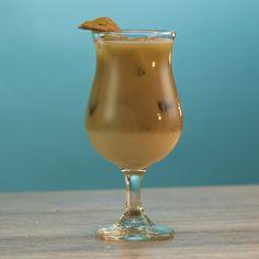 Cooking With Caramel: Making Homemade Caramel Turtles Salted Caramel Martini, Caramel Vodka, Caramel Apple Shots, Caramel Apples, Chocolate Liqueur, Chocolate Hazelnut, Frangelico Cocktail Recipe, Whipped Vodka, Whipped Cream