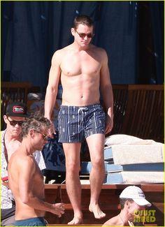 Matt Bomer: Shirtless Sexy Cabo Vacation with Simon Halls! | matt bomer shirtless sexy cabo vacation with simon halls 02 - Photo