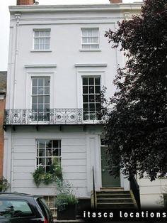 Four storey Georgian town house. Georgian Townhouse, London Townhouse, Georgian Homes, Town House, My House, Rustic Exterior, 1950s House, Stucco Homes, White Houses