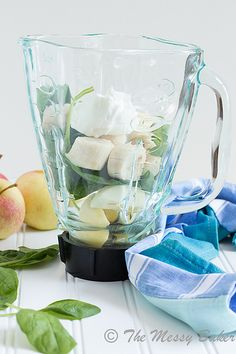 Apple Banana Green Smoothie | www.themessybakerblog.com -8573 by jenniephaneuf, via Flickr