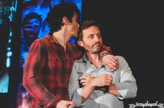 """grumpyjackles: """" this was a moment after Richard had discussed Rob's stroke during autos at Torcon. Completely unscripted, Matt came over and kissed Rob's head. I dare you to find a cast that cares..."""