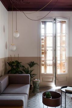 Klinker Apartment, Barcelona - CaSA - Colombo and Serboli Architecture Types Of Floor Tiles, Barcelona Apartment, Curved Walls, Holiday Apartments, Living Spaces, Living Room, Built In Wardrobe, Architecture, Wall Colors