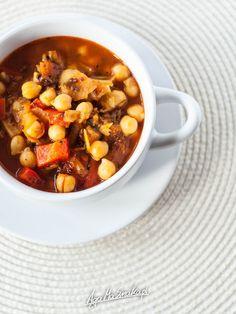 rozgrzewajaca-zupa-zdrowa-gulasz-z-cieciorka-przepis-1 Aga, Chana Masala, Food Photo, Tofu, Good Food, Food And Drink, Gluten Free, Vegetarian, Diets