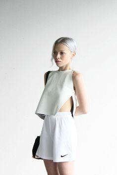 Cheveux blancs à la mode