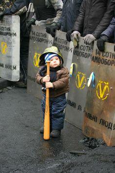 @Viktor M... M... M... Karamushka Вільні люди. Грушевського, 16 лютого 2014 р.