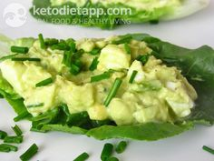 Avocado lettuce cups(low-carb, paleo). A recipe from KetoDiet for the iPad, KetoDiet Basic for the iPhone and KetoDiet Kindle book.