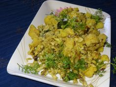 Cauliflower egg stir fry  Ingredients: 1 cup cauliflower florets( cut into medium size and parboiled) 2 eggs 1/2 medium sized onion (finely chopped) 1/2 tspn fennel seeds Pinch of turmeric powder 1 tspn pepper cummin powder 2 green chillies(slit) A sprig of curry leaves Few coriander leaves Salt to taste