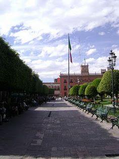 Asta Bandera en el Centro Histórico de León, Guanajuato