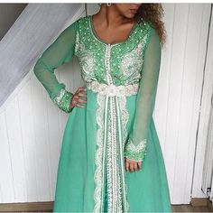 Sur cet article , on vous présente 10 magnifiques robes Marocaines de haute gamme , takchita de luxe & caftan marocain 2016  top élégance e...