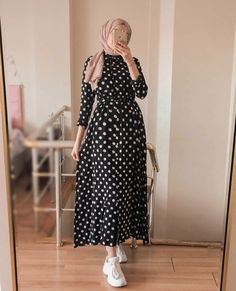 Hijab Fashion Summer, Modern Hijab Fashion, Street Hijab Fashion, Modesty Fashion, Korean Fashion Dress, Abaya Fashion, Muslim Fashion, Fashion Outfits, Modest Long Dresses
