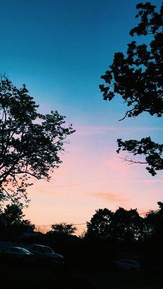 Pretty Sky, Beautiful Sky, Iphone Wallpaper Vsco, Artsy Photos, Sunset Lover, Sky Aesthetic, Pink Sky, Pretty Pictures, Aesthetic Pictures
