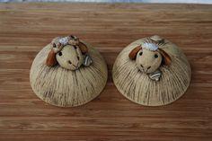 Spring Theme, Clay Animals, Lambs, Pottery Ideas, Ceramic Art, Zentangle, Sheep, Sculpting, Pasta