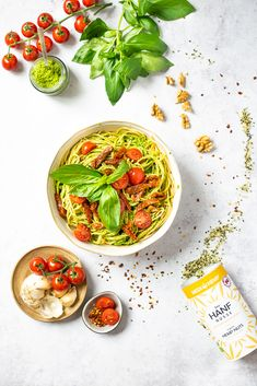 Blog - Spaghetti due Pomodori mit Hanf-Pesto Bio Spirulina, Superfood, Pasta, Thai Red Curry, Ethnic Recipes, Blog, Al Dente, Hemp Seeds, Dried Tomatoes