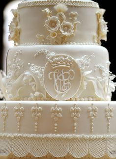 A close up showing the crest on William and Catherine's wedding cake.  Not clothing but still awesome.