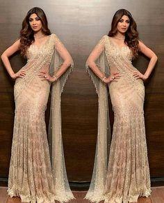 Shilpa Shetty in Tarun Tahiliani pre stitched Saree Indian Bridal Fashion, Indian Wedding Outfits, Indian Outfits, Western Outfits, Indian Gowns, Indian Attire, Indian Sarees, Sari Design, Sari Blouse Designs