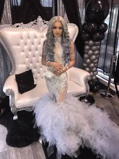 Prom Dresses Slay, Black Girl Prom Dresses, Senior Prom Dresses, Prom Outfits, Prom Dresses Long With Sleeves, Beautiful Prom Dresses, Event Dresses, After Prom Outfit, Prom Looks