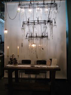 Full pic of this Fabulous Chandelier (close up coming). OK you will need a tall ceiling and a bigger table :-)