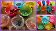 Barwienie i przesypywanie ryżu do pojemników w tym samym kolorze.
