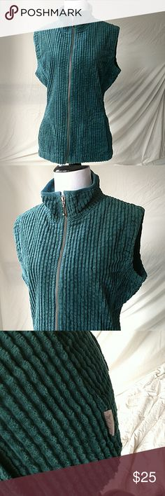 "Woolrich | Forrest Green Zipper Vest Woolrich Women's green zip up mock turtleneck vest, pockets, size Medium. Gently used with no flaws.   Flat Lay  Chest: 20""  Waist: 17""  Length: 26""   JA1-107 Woolrich Jackets & Coats Vests"