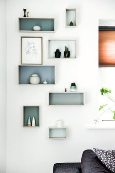 vegghengt galleri Cube Wall Shelf, Wall Cubes, Shelf Furniture, Furniture Design, Diy Home Decor, Room Decor, Wall Decor, Small Room Design, Teenage Room