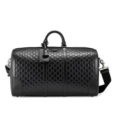 Are you on the market for a new overnight bag? Whether you're heading to the gym or on a weekend getaway, you'll love these 11 overnight bags to women. Leather Duffle Bag, Leather Bags, Black Leather, Gucci Gifts, Gucci Men, Gucci Gucci, Burberry Men, Gucci Black, Purses