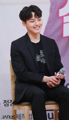 Korean Celebrities, Korean Actors, Jin Goo, Korean Drama Movies, Kdrama Actors, Japanese Men, Kim Min, Korean Artist, Best Actor