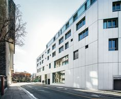 This mixed-use building with 30 housing units for young workers and offices for Patronage Laïque, a guardian association in Paris' 15th arrondissement, is a recently delivered project by the MAB+LAPS team for the RIVP Régie immobilière de la Ville ...