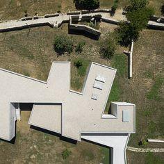alvaro-siza-vieira-nadir-afonso-foundation-chaves-portugal designboom