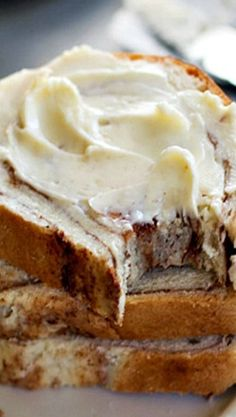 Homemade Cinnamon Swirl Bread is part of Homemade bread Sweet - This homemade cinnamon swirl bread is so simple and has a gooey middle cinnamon layer that stays soft long after the bread has cooled Perfect for toast! Bread Machine Recipes, Easy Bread Recipes, Baking Recipes, Breakfast Bread Recipes, Just Desserts, Delicious Desserts, Dessert Recipes, Yummy Food, Desserts Homemade