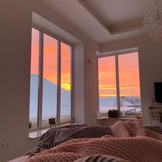 Dream Rooms, Dream Bedroom, My New Room, My Room, Aesthetic Room Decor, Aesthetic Photo, Dream Apartment, Apartment View, House Rooms