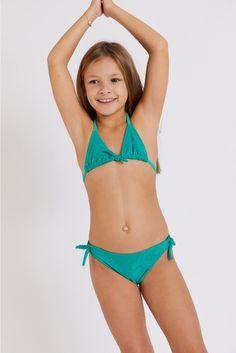 M Pepita Paradise children's green swimsuit | Banana Moon® Sporty Chic, Paradise Girl, Dance Moms Dancers, Green Two Piece, Little Girl Models, Green Swimsuit, Vogue, Kids Swimwear, Kids Swimming