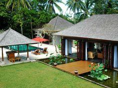 Bamboo House Design, Tropical House Design, Unique House Design, Tropical Houses, Patio Design, Bali Style Home, Garden Huts, Asian House, Hawaiian Homes