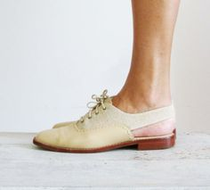 Vintage 1980s Brazilian made linen Oxfords with slingback heels