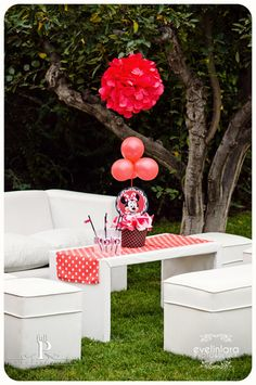 Minnie Mouse Birthday- fabric for table runner with white clothe under