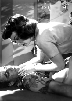 "Montgomery Clift and Donna Reed in ""From Here to Eternity"" (1953)  Donna Reed - Best Supporting Actress Oscar 1953"