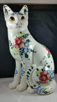 """LARGE BEAUTIFULLY HAND PAINTED CERAMIC CAT WHITE/ PINK ROSES VINTAGE VG COND 14"""" 