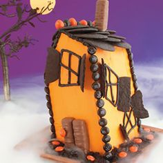 Haunted House Cake made with frozen pound cake from @Culinary.Net.