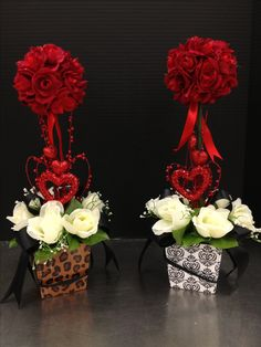 Red Rose Topiary Valentine's Day Gifts and Floral 2013 Design by Christian Rebollo Valentine Gift Baskets, Valentine Wreath, Valentine Day Crafts, Valentine Decorations, Floral Design Classes, Flower Designs, Floral Wedding, Floral Arrangements, Creations