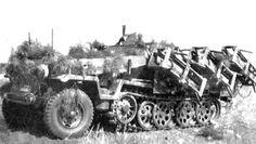 Sd.Kfz_.251-Wurfrahmen-40-Stuka-Zu-Fuss