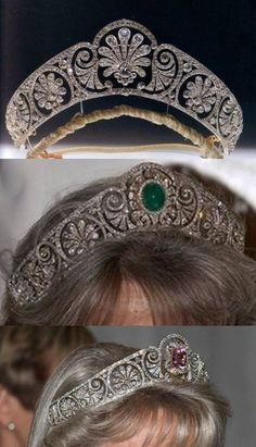 Queen Mary/ Gloucester Palmette / Gloucester Honeysuckle Tiara. https://www.facebook.com/photo.php?fbid=1524248344518901&set=oa.283553501812446&type=3&theater https://www.facebook.com/groups/260713314096465/
