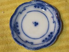 """FLOW BLUE 3"""" LORNE BUTTER PAT BY GRINDLEY IN  NEAR MINT CONDITION"""