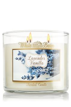 An unforgettable fragrance! You'll love this blend of timeless lavender and creamy vanilla, with touches of cedarwood, delicate jasmine and citrus. Bath Candles, 3 Wick Candles, Home Candles, Scented Candles, Lavender Candles, Lavender Scent, Bath N Body Works, Bath And Body, Living Room Candles