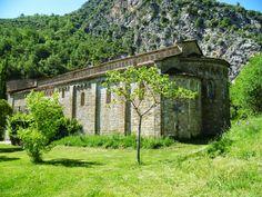 Publicamos Santa María de Obarra monasterio románico construido por maestros lombardos  #historia #turismo http://www.rutasconhistoria.es/loc/monasterio-de-santa-maria-de-obarra