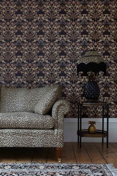 House of Hackney & William Morris Hyacinth Black Wallpaper Interior And Exterior, Interior Design, Black Wallpaper, Big Houses, William Morris, Soft Furnishings, Classic Style, Love Seat, New Homes