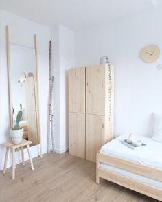 Für unsere Gäste nur das Beste: Gästezimmer im Scandi-Style mit viel Weiß, Holz und Ikea Ivar zuhause bei Wohngoldstück!  #living #wohnen #wohnideen #einrichten #gästezimmer #ikea #ikeaivar