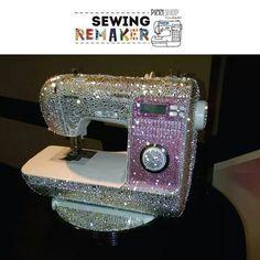 Máquina de coser Decorada con Brillos.