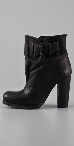 70e12699e7a 15 bästa bilderna på Shoes | Fashion shoes, Loafers & slip ons och ...