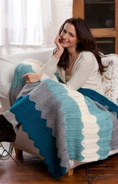 Chevron Knit Throw Knitting Pattern - This looks easy enough and I have a lot of yarn I could use :) Knitted Throw Patterns, Knitted Afghans, Afghan Patterns, Knitted Blankets, Knitting Patterns Free, Free Knitting, Free Pattern, Manta Crochet, Ideas